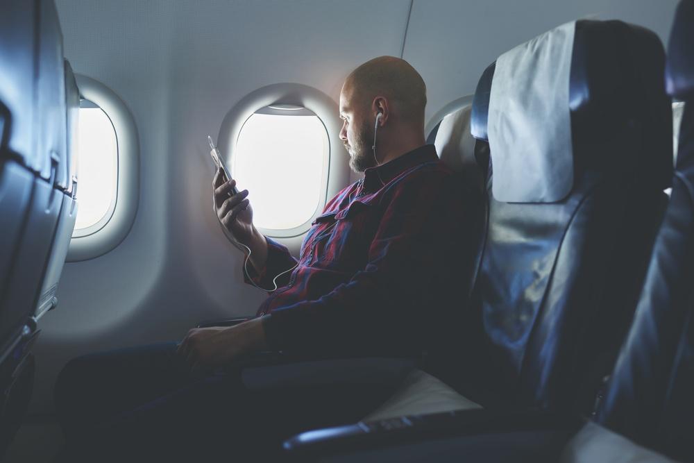 Travel Mobile App flight alerts